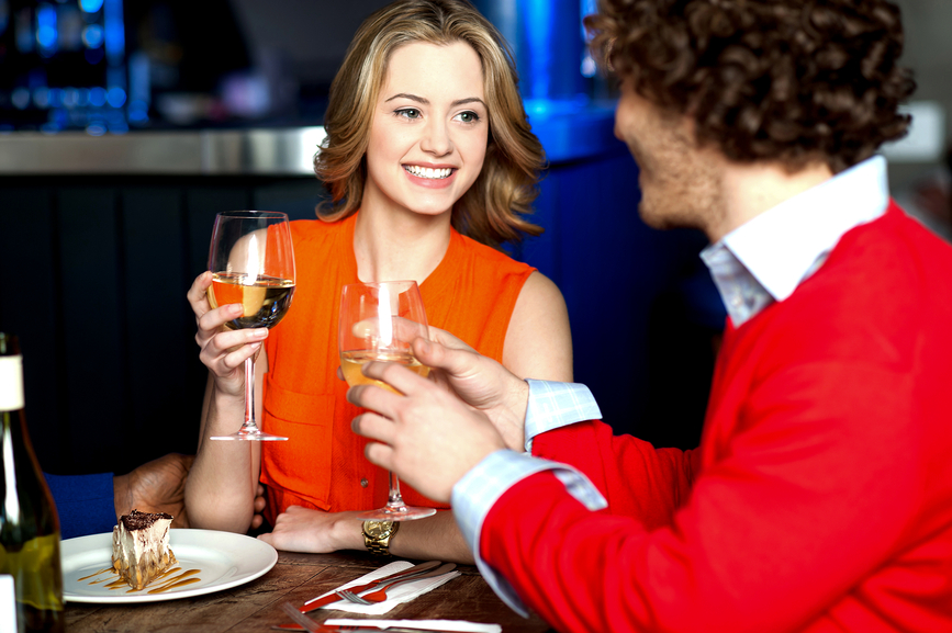 Your body language could be the difference between a successful date or a bad dinner.